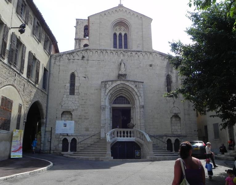 Церковь Нотр-Дам де Пюи в Грассе