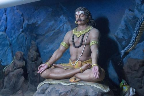 Раван молится Шиве