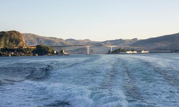 пройден мост в норвежских фьродах